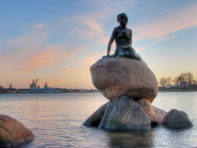 the-little-mermaid-copenhagen-denmark